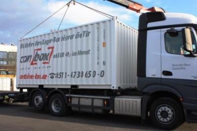Anlieferung zur Aktenlagerung in unserem Lagercontainer